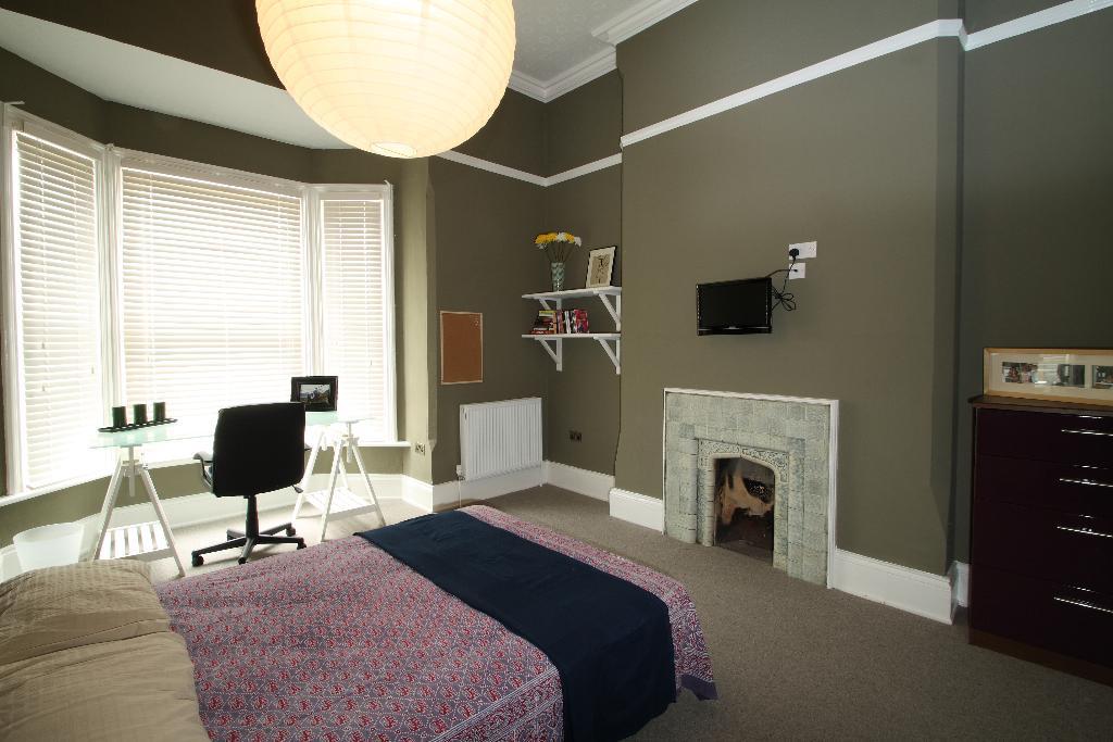 F2.7AWS Bedroom