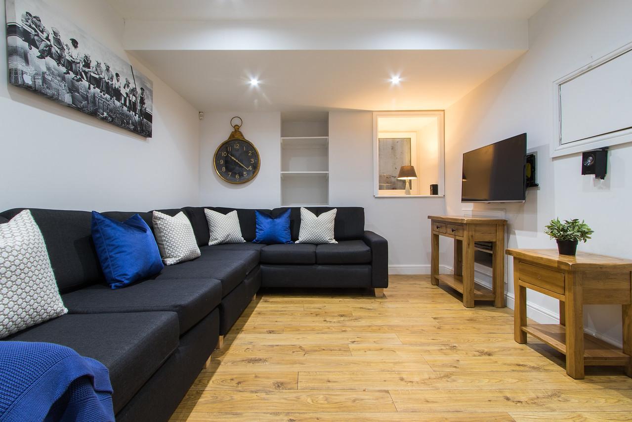 91LB Lounge