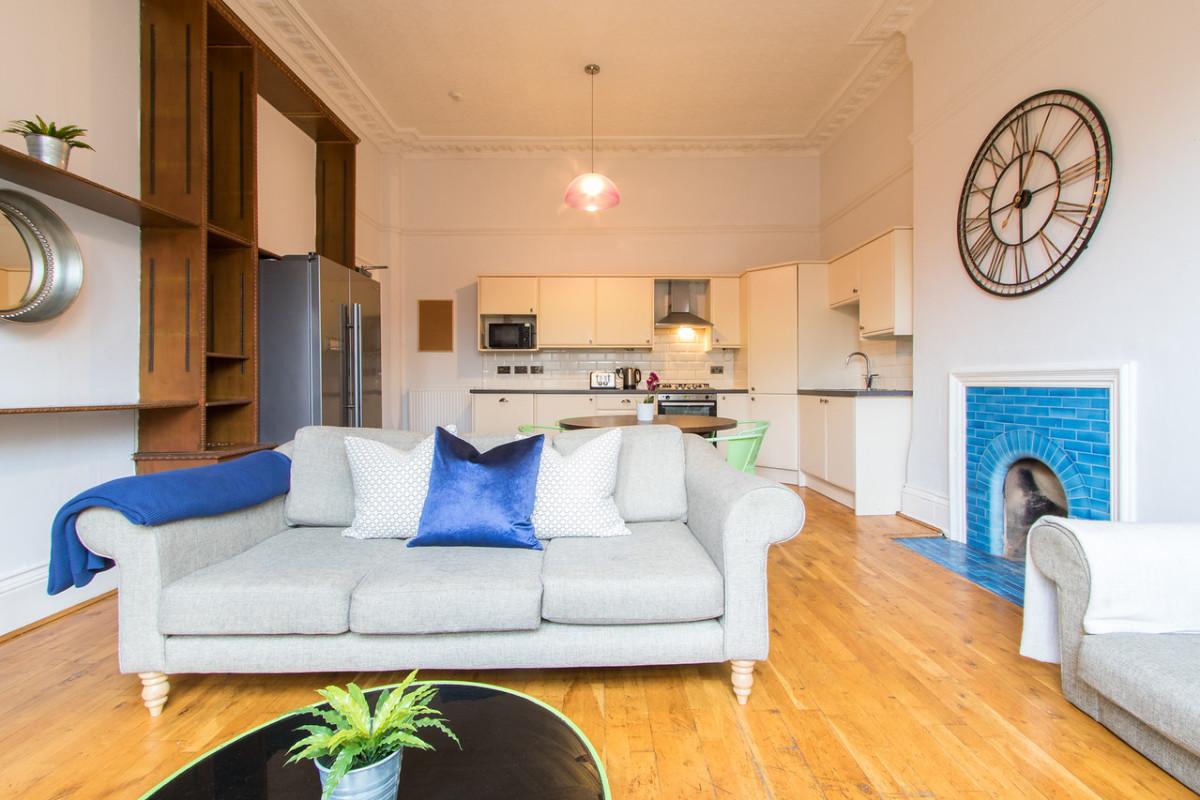 Flat 2, 7a Waverley Street