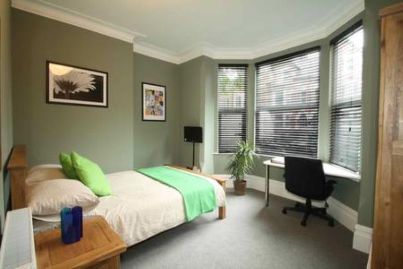 91LB Bedroom