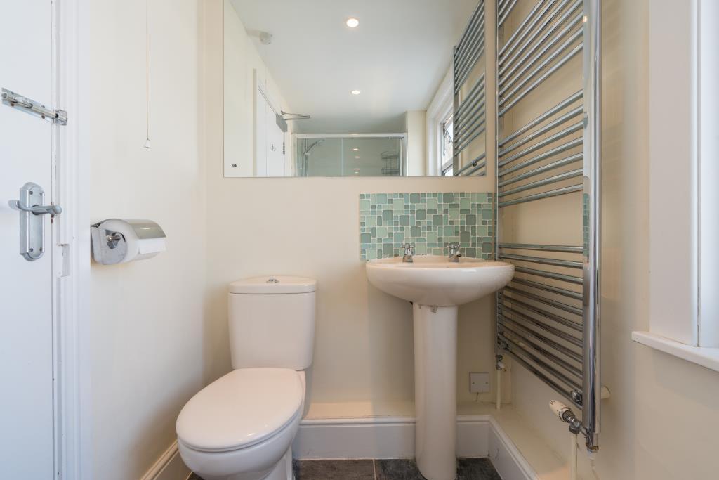 53 Purley Road -bathroom