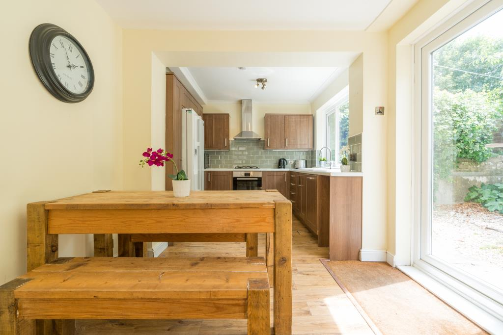 17 St Michaels Road - kitchen