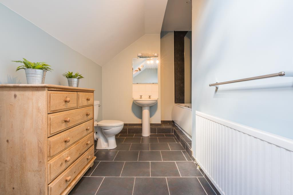 1 ashville road - bathroom