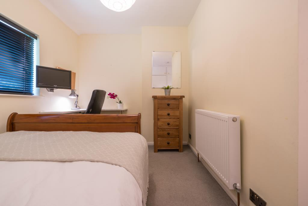 17 St Michaels Road - bedroom