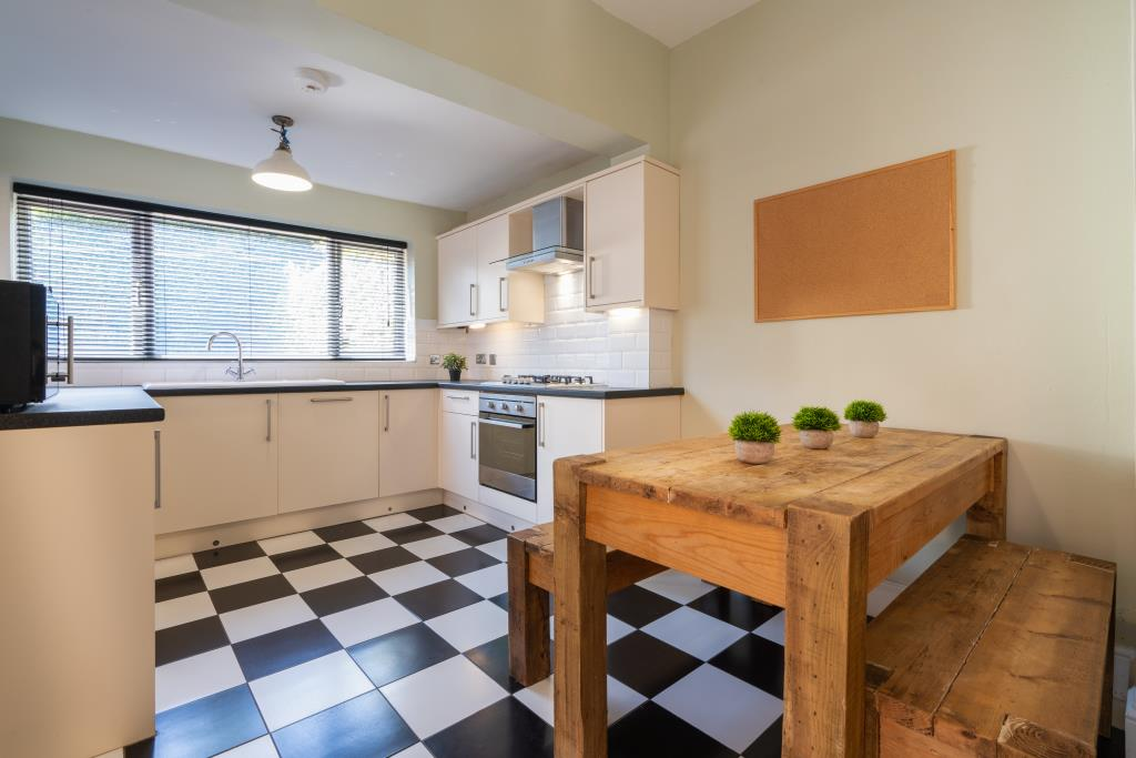 17 York Road - kitchen